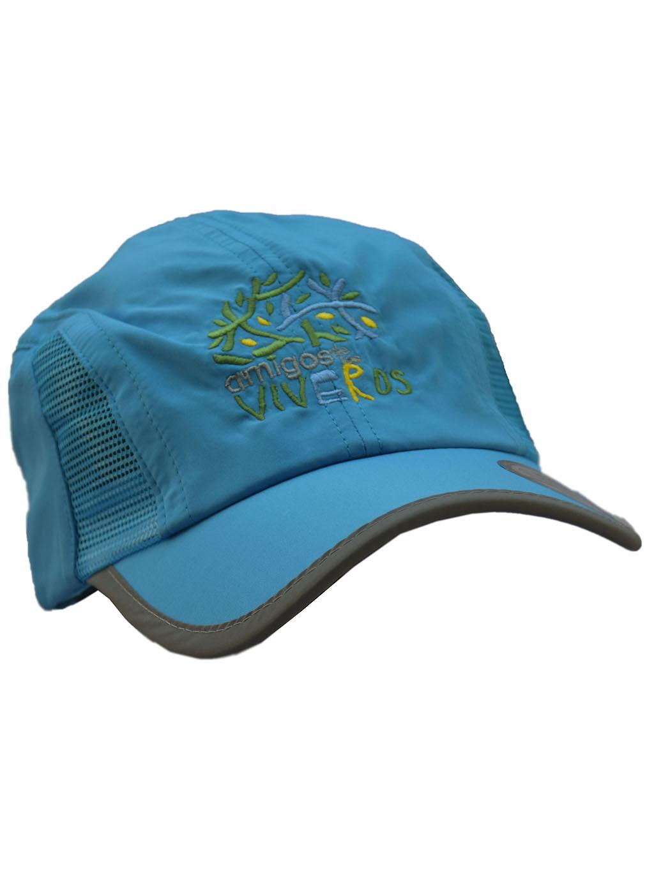 Gorra deportiva azúl claro